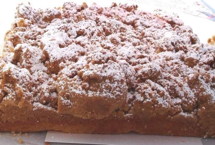 B & W Crumb Cake